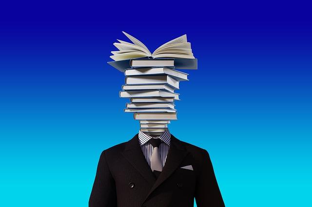 books 3071110 640 - 【必要不可欠】介護福祉士に求められる資質とは?