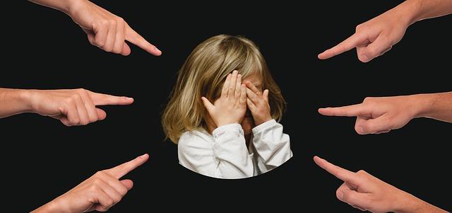 bullying 3089938 640 - 介護のバイトがきついと言われる本当の理由
