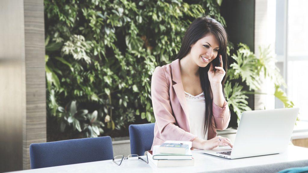 caremanager - ケアマネジャーの仕事内容(1ヶ月の流れ)・平均年収・給料を徹底調査!
