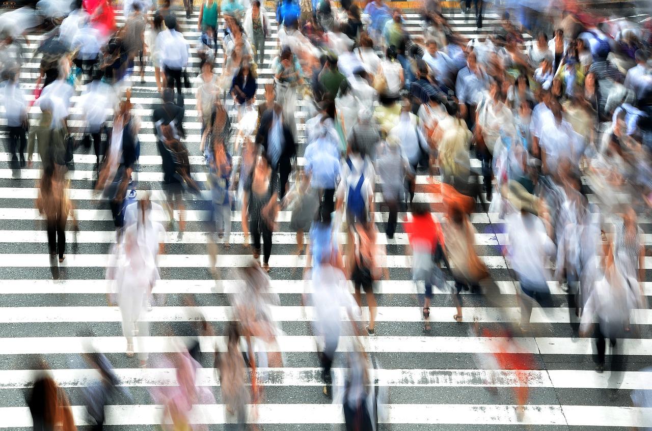 pedestrians 400811 1280 - 社会福祉士の実習は辛い?実習内容のまとめ